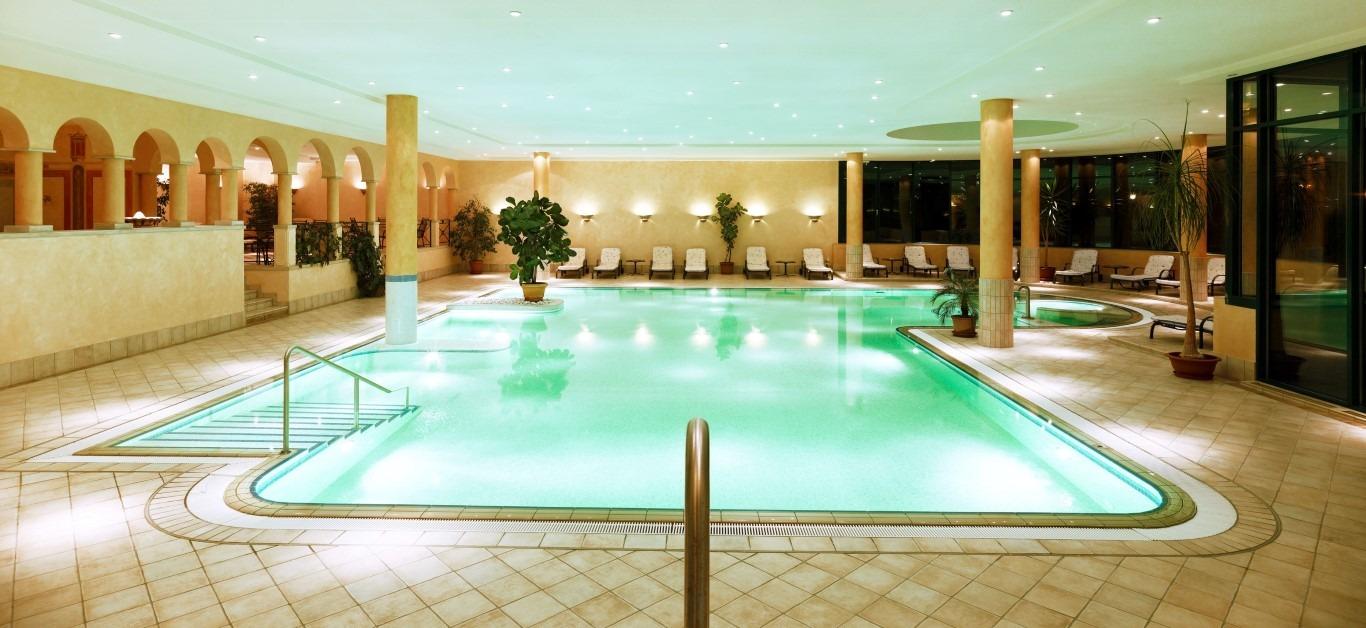 Pool 1 (Medium)